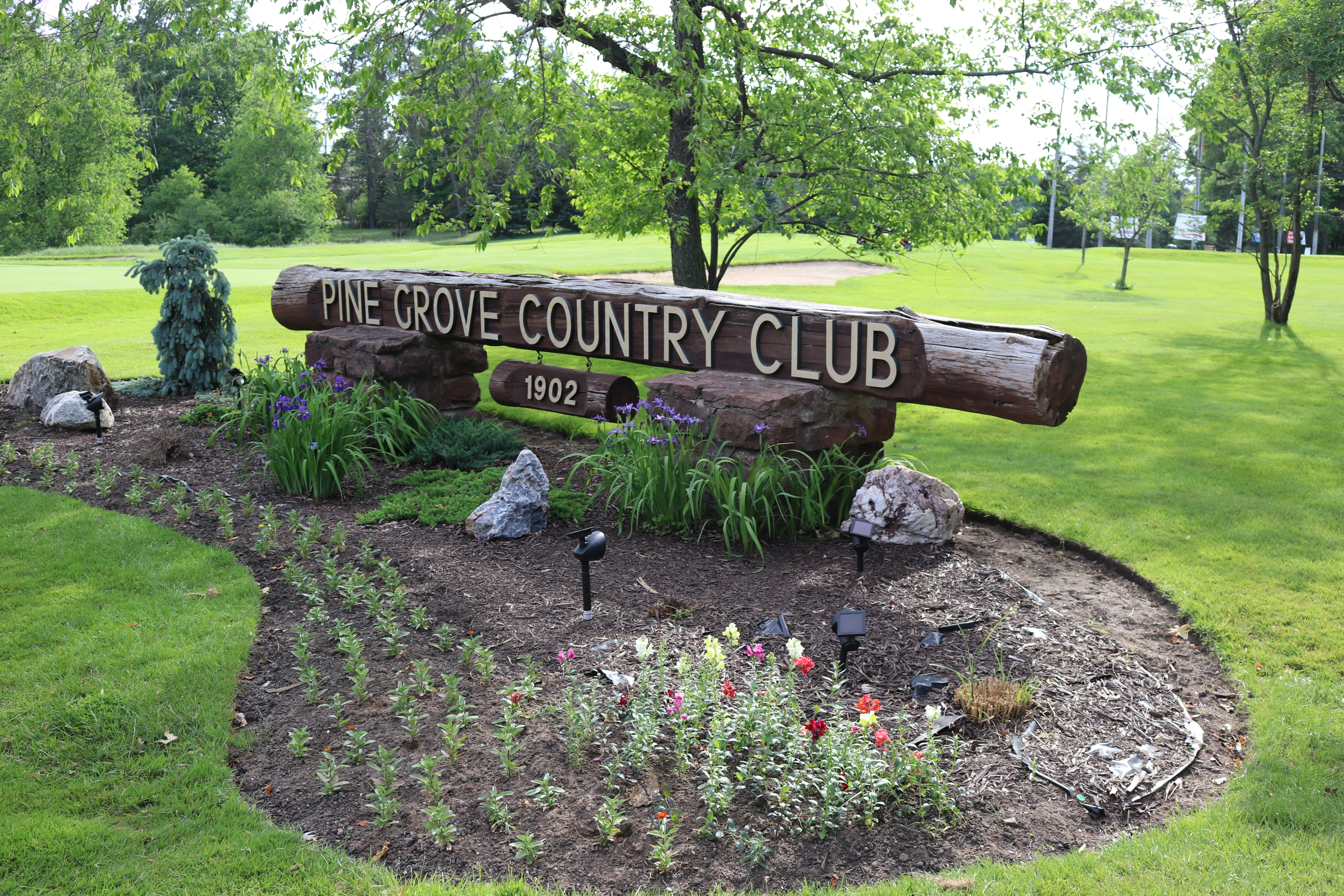 Signage Pine Grove Country Club